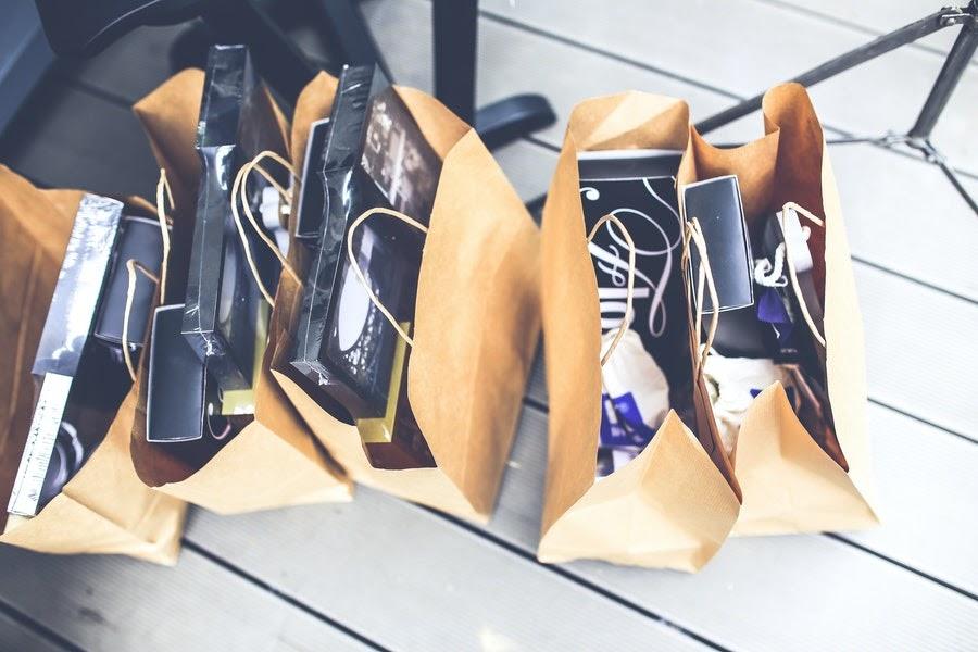 brown-shopping-bags-5956